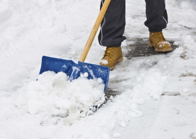 160224_CUST_Shoveling-Snow.jpg.CROP.promo-xlarge2